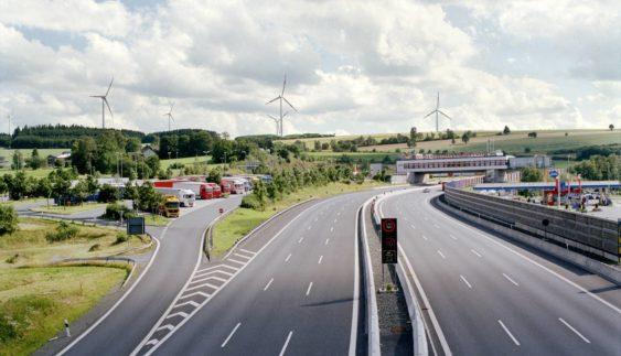 Дивні дорожні правила в різних країнах світу