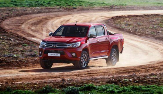 Компанія Toyota випустила оновлений пікап Hilux