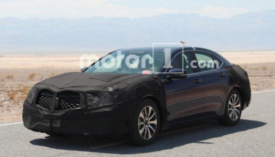 Acura TLX тестують в пустелі (Фото)