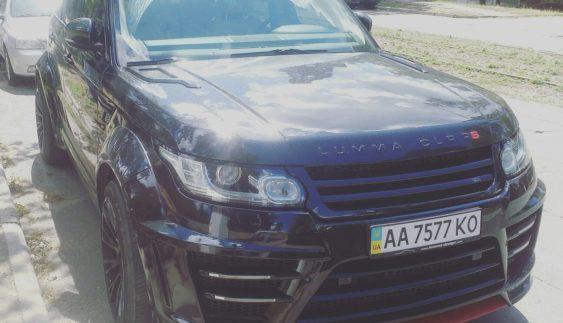 У Києві засвітився неймовірно дорогий Range Rover Sport (Фото)