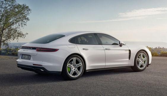 Porsche представить гібридну Panamera 4 і гоночний 911