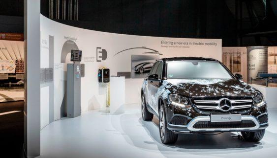 Daimler випустить шість електрокарів для конкуренції з Tesla