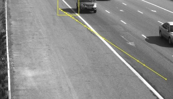 Водія оштрафували за тінь його машини (Фото)