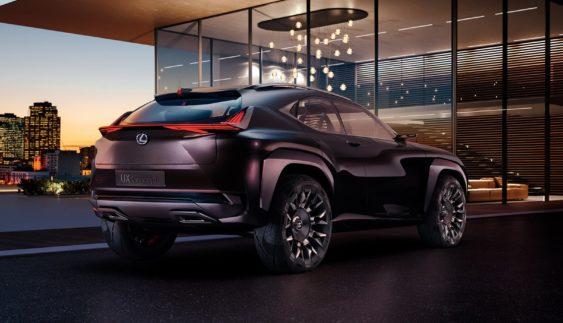 Новий Lexus UX: є фото салону