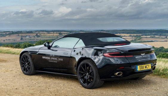 Aston Martin показав відкриту модифікацію свого суперкара (Фото)