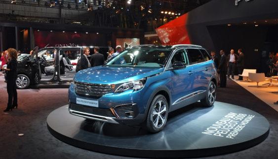 Peugeot 5008 змінив орієнтацію (Фото)