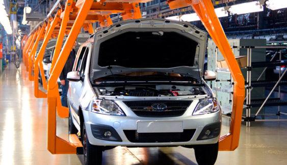 АвтоВАЗ згортає виробництво