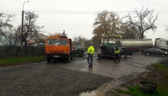 Українські дорожники не перестають дивувати (Фото)