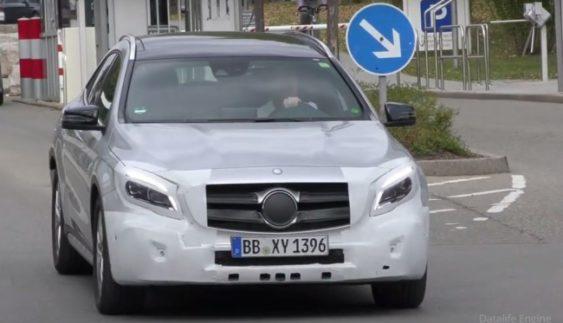 Оновлений Mercedes-Benz GLA на крок ближче до конвеєра (Фото)