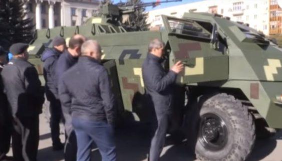 "У Житомирі показали перший український броньовик ""Отаман"" (Відео)"