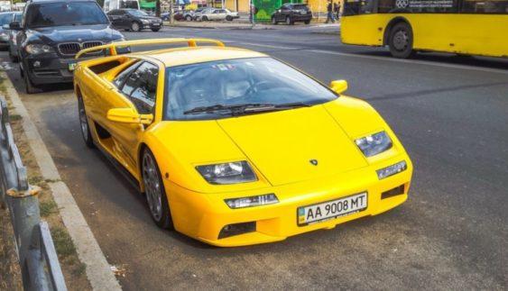 В Україні засвітилася єдина в світі Lamborghini, побудована для президента (Фото)