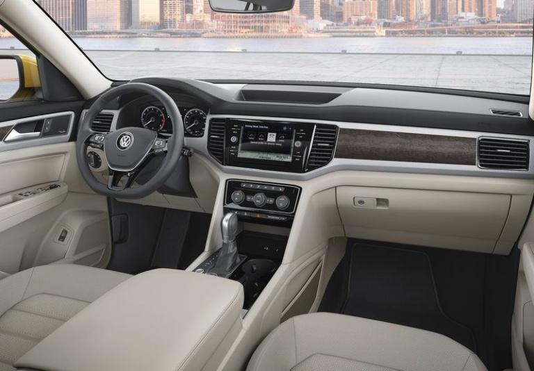 volkswagen-atlas-2018-interior-1-e1477812341643