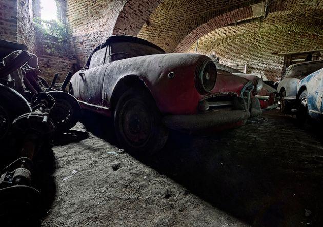 alfa-romeo-abandoned-4