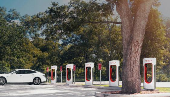 Власники Tesla позбудуться своєї «головної пільги»