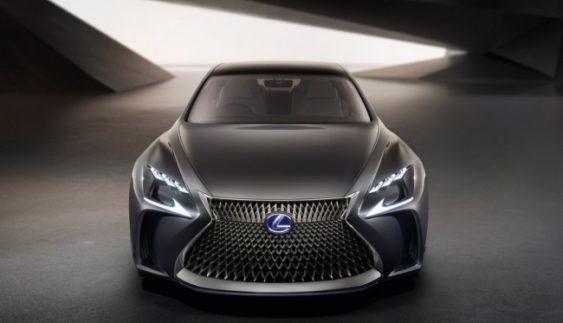 Lexus до 2020 року запустить в серію водневий кросовер
