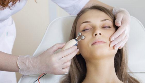 Гальванотерапія для особи: що це таке і для кого підходить?