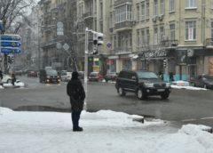 Автопарк Гройсмана: журналісти дізналися про домашні і робочі машини прем'єра