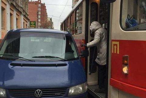 """Київський """"автохам"""" викликав шквал критики в соціальних мережах (Фото)"""