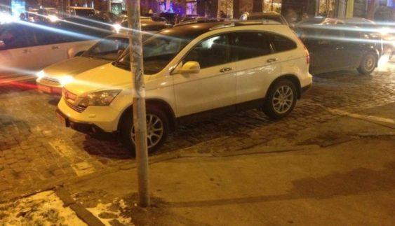 """У столиці знайшли нового """"героя паркування"""" (Фото)"""