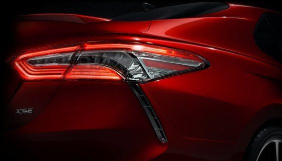 Toyota вперше показала новий седан Camry