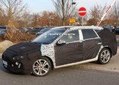 Універсал Hyundai i30 нового покоління вперше помітили на тестах