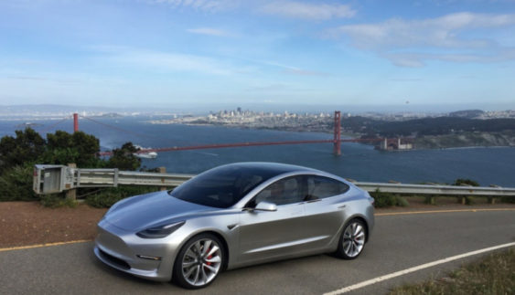 Електромобіль Tesla Model 3 2017 – перші офіційні фото інтер'єру