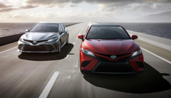 Toyota показала нову Camry (Фото)