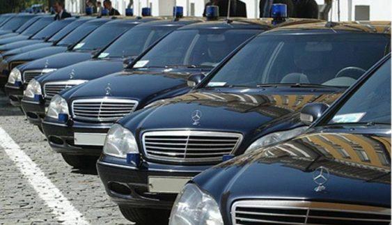 На яких авто їздять президент Порошенко і його адміністрація