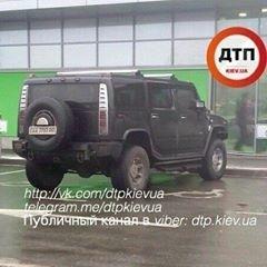 """Черговий """"герой парковки"""" прославився у мережі (Фото)"""