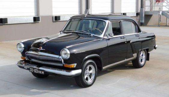 """Стара """"Волга"""" продається в США за ціною спорткара (Фото)"""