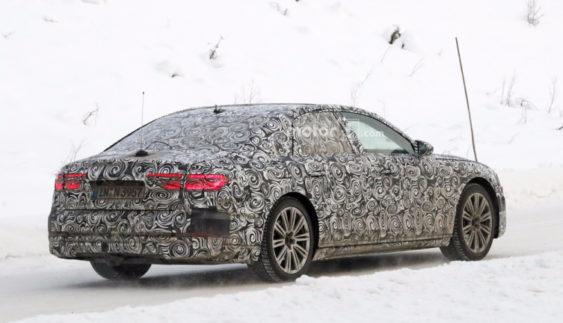 Стало відомо, коли вперше дебютує новий Audi A8 (Фото)