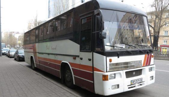 Рідкісний автобус з двигуном Skoda на дорогах України (Фото)