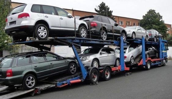"""В Україну """"ринули"""" російські автомобілі"""