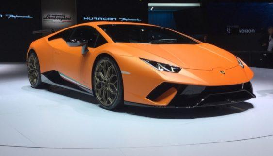 Lamborghini показала в Женеві найшвидший суперкар (Фото)