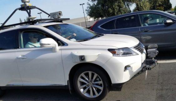 Безпілотний автомобіль від Apple вперше попався на фото