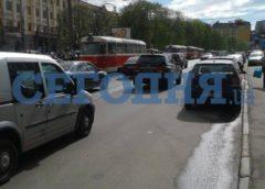 У Києві «герой парковки» шокував мешканців (Фото)