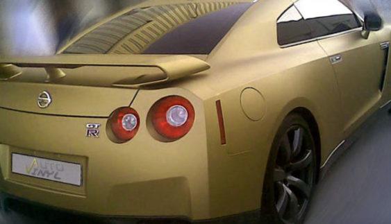 Обклеювання автомобіля вініловою плівкою