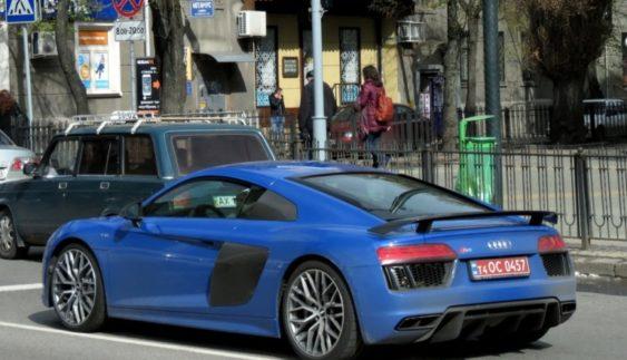 В Україні помітили новий суперкар Audi (Фото)