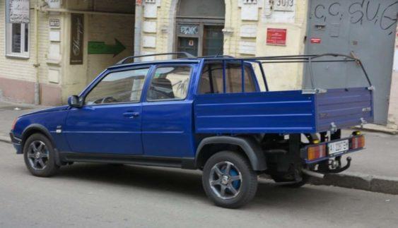"""На дорогах Києва """"засікли"""" унікальний ЗАЗ-1106 Pick-Up"""