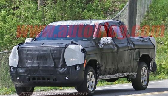 У мережі з'явилися фото оновленого Chevrolet Silverado