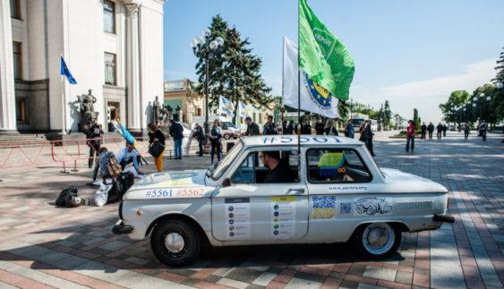 Київським водіям не дали перекрити рух біля Верховної Ради