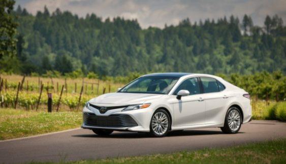 Якою буде нова Toyota Camry (Фото)