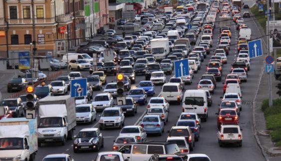 Розповіли, як зменшать затори на столичних дорогах