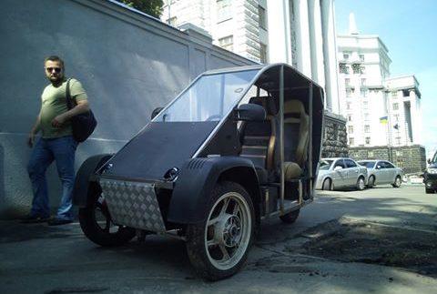 На українських дорогах помічений незвичайний автомобіль (Фото)