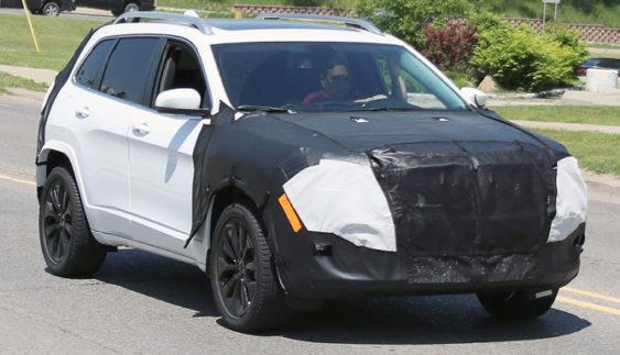 Jeep оновить кросовер Cherokee