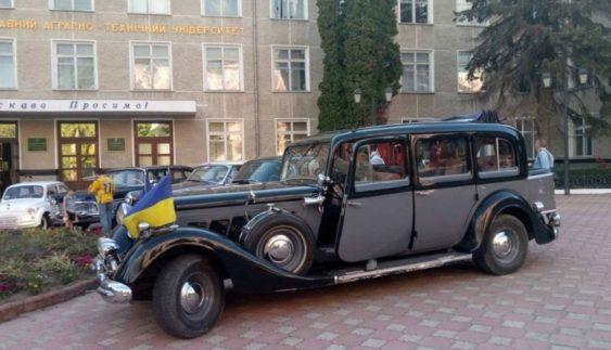 Ось на якому авто їздив сумновідомий секретар Гітлера (Фото)