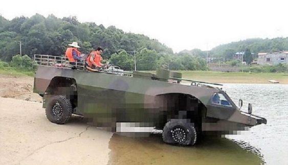 Продемонстрували новий бронетранспортер, який є найшвидший на плаву