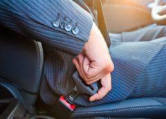 Потрібно пристібати ремені безпеки чи ні?