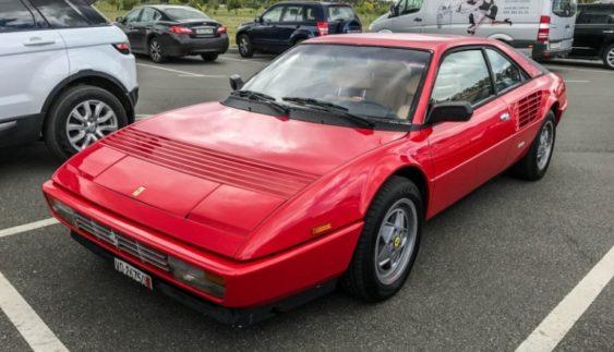 В Україні помічена унікальна Ferrari Mondial (Фото)