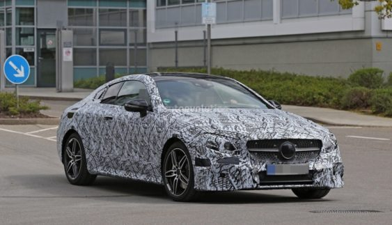 Mercedes-Benz E-Class Coupe 2018 пройшов дорожні випробування (Фото)